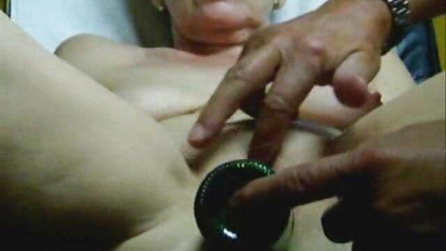 सेक्स कोई पंजीकरण  चश्मे के पीछे एक लड़की के साथ कामुक फुल सेक्सी फिल्म वीडियो में